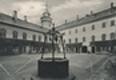 Sychrov - státní zámek - nádvoří