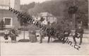 Lázně Luhačovice - skupina lidí na lavičkách, 1925 (č. 169132)