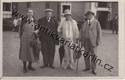 Lázně Luhačovice - čtveřice lidí před budovou, 1931 (č. 16913)